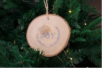 """Κρεμαστό Στολίδι Φέτα """"Joy"""" με Glitter CD100025-1"""
