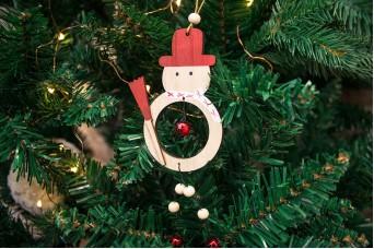 Χριστουγεννιάτικος Κρεμαστός Χιονάνθρωπος με Κουδουνάκια CD142140