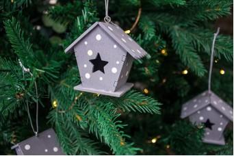 Χριστουγεννιάτικο Κρεμαστό Σπιτάκι Πουά CD143821