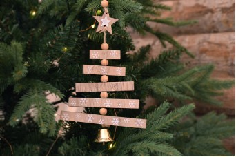 Κρεμαστό Χριστουγεννιάτικο Δέντρο με Καμπανούλα CD155820