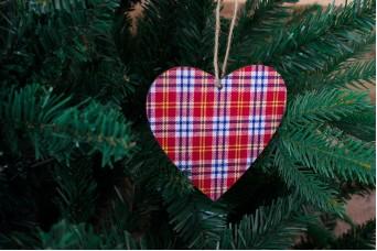 Ξύλινη Καρδιά Καρώ Πλατύ Πολύχρωμο CD7761-2