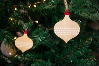Χριστουγεννιάτικες Κρεμαστές Μπάλες 10τεμ Οβάλ WI170532