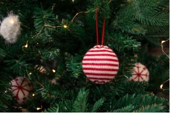 Χριστουγεννιάτικες Μπάλες Mάλλινες Ριγέ CD7627