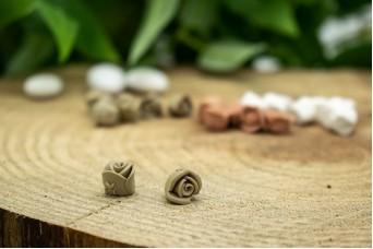 Κεραμικό Λουλουδάκι για Στέφανα Σκέτο Μπεζ 10mm 50τεμ. BD2020-3