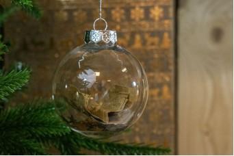 Χριστουγεννιάτικη Μπάλα Βιβλιαράκι 8cm CD19-4067-2