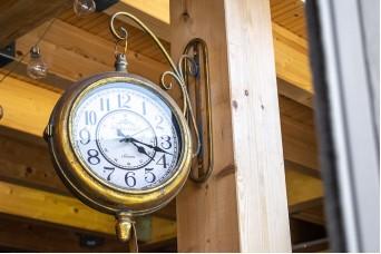 Ρολόι Κρεμαστό Στρογγυλό Χρυσό Παλαιωμένο CL4947