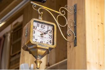 Ρολόι Κρεμαστό Τετράγωνο Χρυσό Παλαιωμένο 35cm CL4952