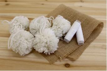 Μάλλινα Pom Poms 6cm Λευκά FI8932W