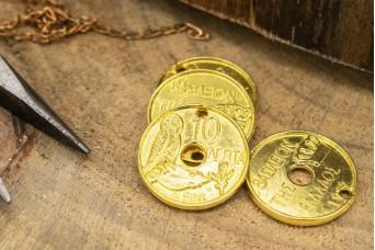 Μεταλλική Τρύπια Δεκάρα Χρυσή 20mm 10τεμ MI-5388-1G