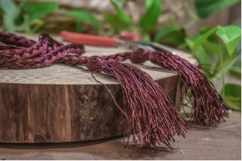 Φούντα Διπλή Γυαλιστερή με Κορδόνι Πλεξίδα 160cm Plum Red TS-8240-27