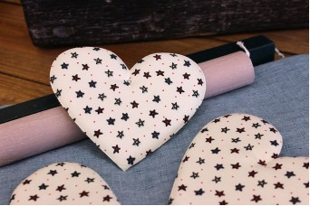 Υφασμάτινη Καρδιά Αστεράκια 12cm 5τεμ. UHR12-132510-1