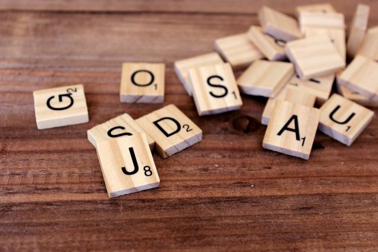 Γράμματα Τύπου Scrabble