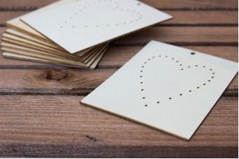 Ξύλινο Καρτελάκι Καρδιά με Τρύπες 10τεμ. WI4569
