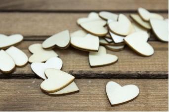 Καρδιές Ξύλινες 50τεμ WI9499