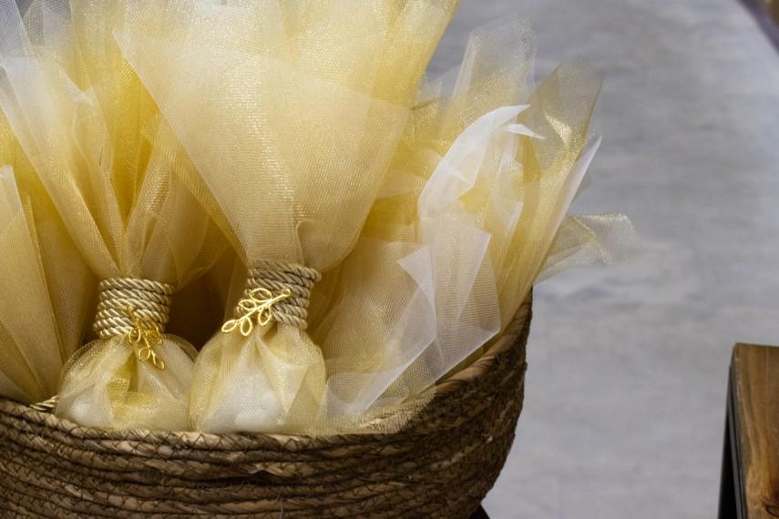 Τούλινη μπομπονιέρα χρυσή